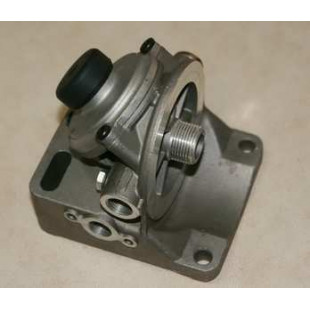Кронштейн топливного фильтра с подкачкой (помпой) PL420